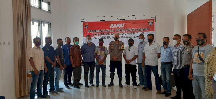 Kapolres Sumba Barat Daya Menerima Kunjungan Silaturahmi Keluarga Besar Purnawirawan Polri (KBPP) dan Keluarga Besar Putra Putri Polri (KBPPP)