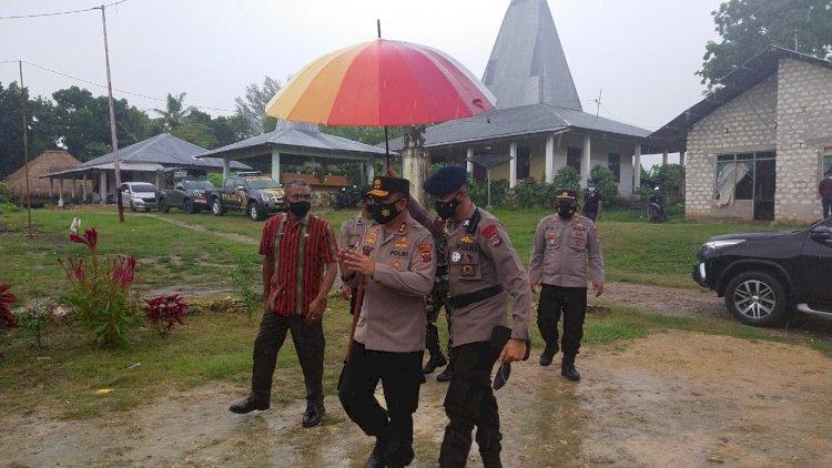 Kapolda NTT Kunjungi Kampung Tangguh di Dusun I, Desa Kalena Wanno, Kec. Kota Tambolaka, Kab. Sumba Barat Daya