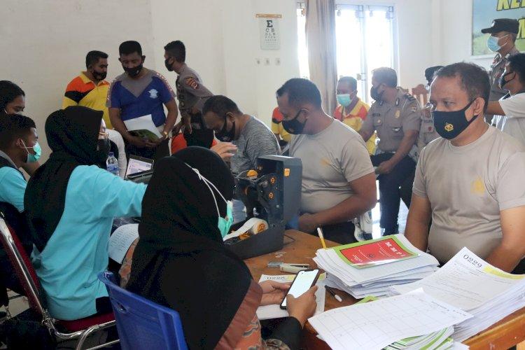 Sebanyak 106 Personel Polres SBD Mengikuti Kegiatan Pemeriksaan kesehatan (Rikes) Berkala Oleh Tim Biddokkes Polda NTT
