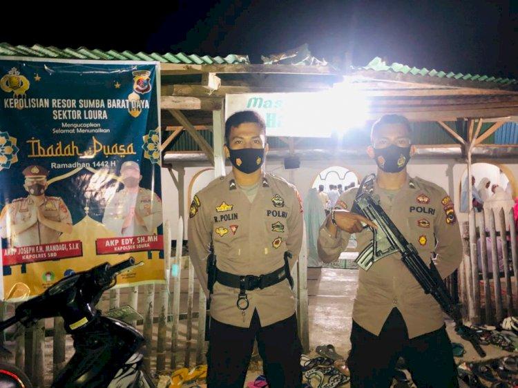 Ciptakan Situasi Kamtibmas Yang Aman Dan Nyaman, Personel Polres SBD Laksanakan Pengamanan  Bagi Umat Muslim Yang  Melaksanakan Sholat Tarawih
