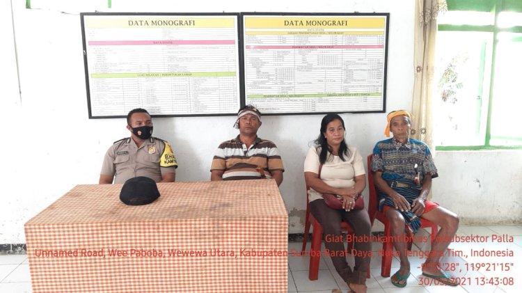 Bhabinkamtibmas Polsubsektor Palla Laksanakan Pengamanan Rapat Penetapan Dan Pengundian Nomor Urut Calon Kades Serentak 30 Juni 2021