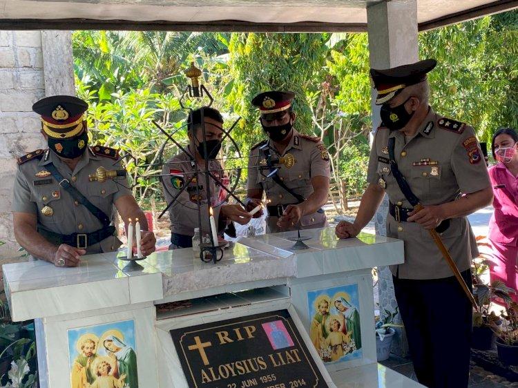 Peringati HUT Bhayangkara ke-75 Polres Sumba Barat Daya Gelar Apel Tabur Bunga Dan Ziarah ke Mahkam Pahlawan